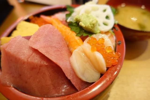 三友蓮の上海鮮チラシ寿司
