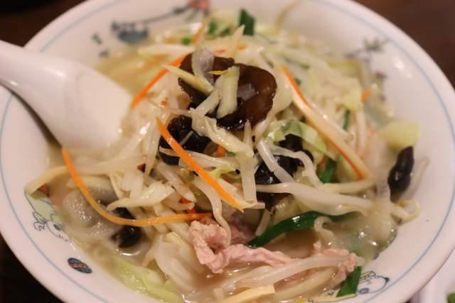 皇庭餃子房の野菜たっぷりタンメン
