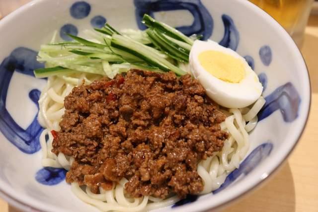 三商巧福のジャージャー麺