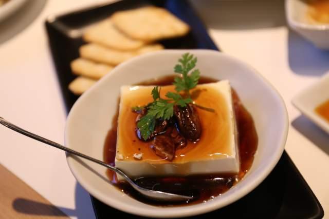 フジタカ食堂のハニーチーズ豆腐
