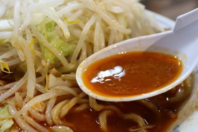 らーめん大の赤スープ