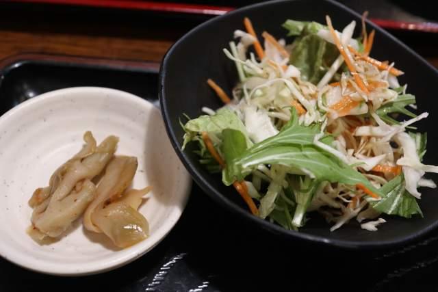 金蘭のサラダとザーサイ